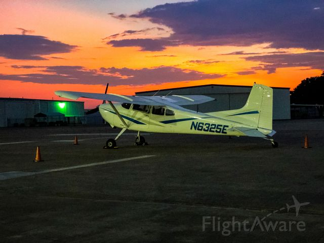 Cessna Skywagon (N6325E)
