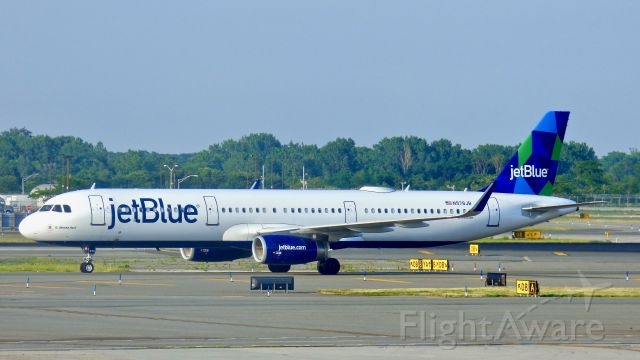 Airbus A321 (N978JB) - Doing some terminal spotting while waiting for my flight!