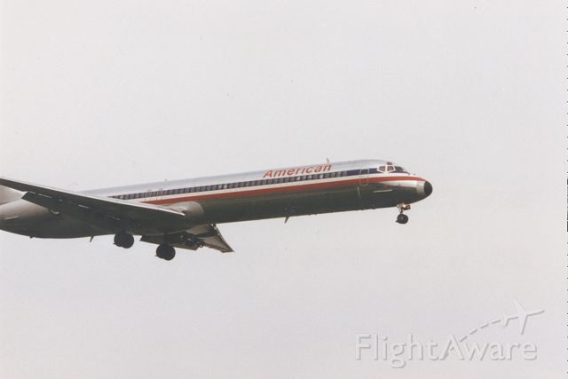 McDonnell Douglas MD-80 — - An American MD-80 on short final to runway 19 at KDCA. (Sorry about the missing tail :-( )