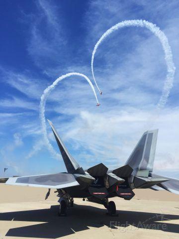 Lockheed F-22 Raptor — - The Friday Airshow @ Oshkosh 2015