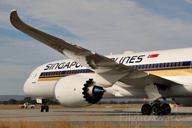 BOEING 787-10 Dreamliner (9V-SCA)