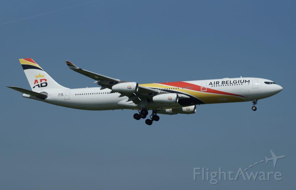 Airbus A340-300 (OO-ABB)