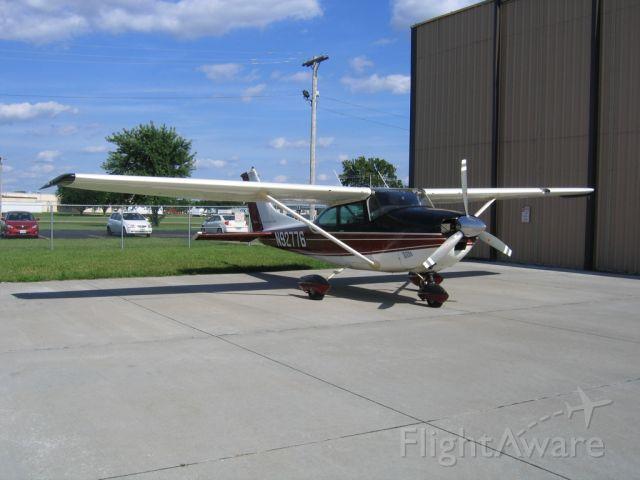 Cessna Skylane (N92776)