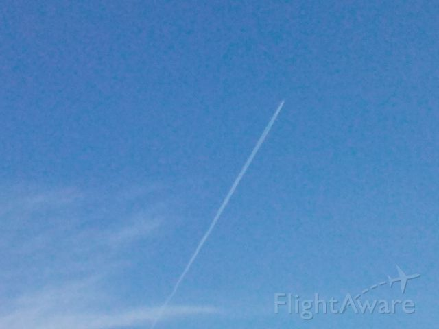 BOEING 777-300 — - Cathay Pacific 806 flying over Minneapolis, MN at 37,000 ft en route Hong Kong to Chicago OHare. The contrail for this flight was really big and probably the longest contrail Ive ever seen... Hope yall like it!