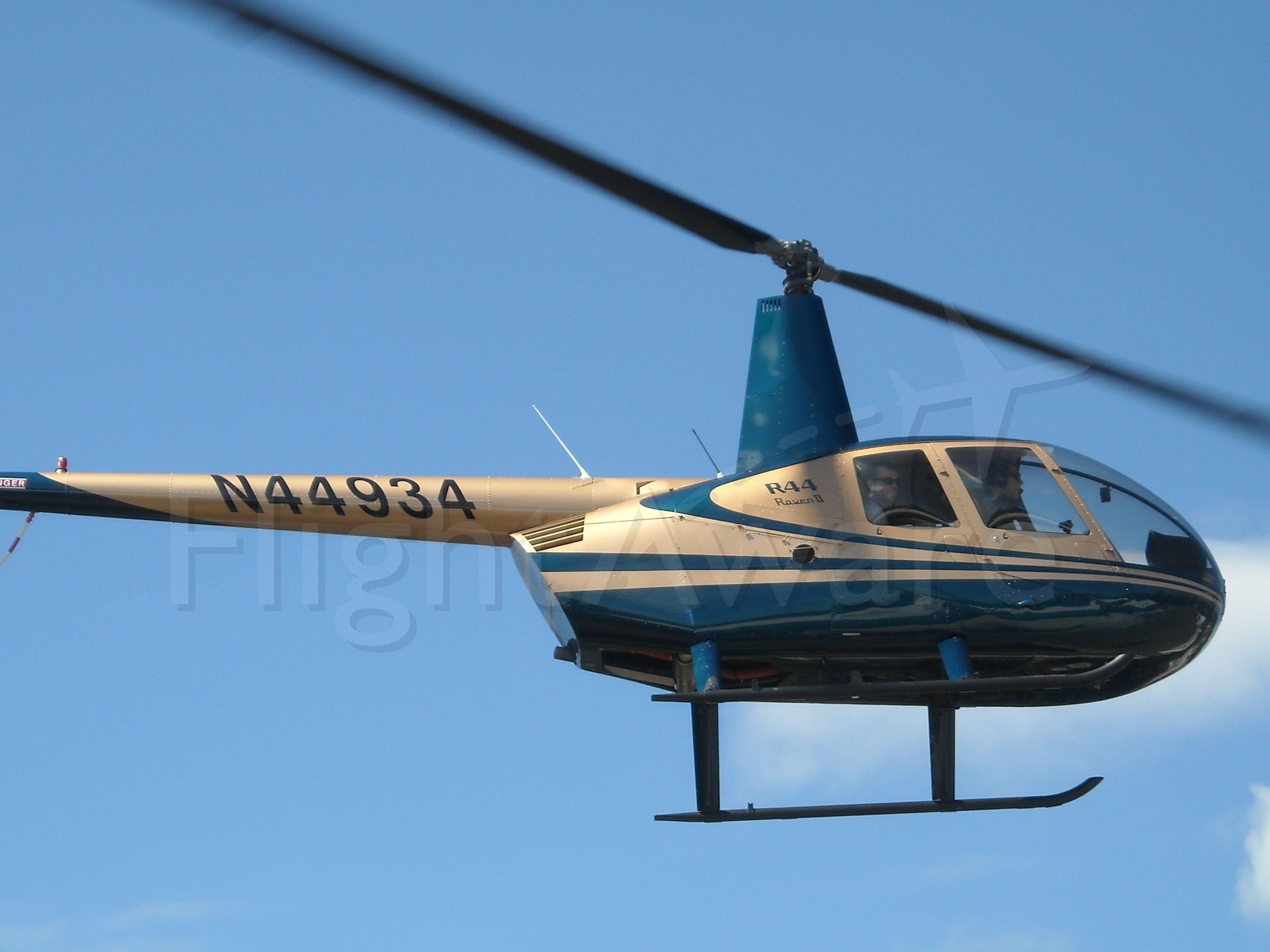 Robinson R-44 (N44934) - WE got visitors !!!!
