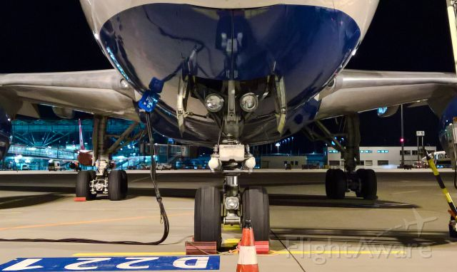 BOEING 767-200 (OY-SRJ)