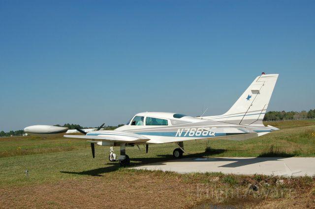 Cessna 310 (N7688Q)