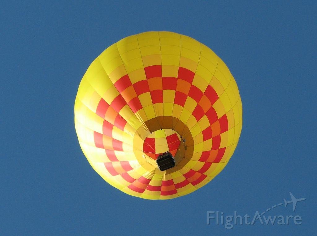 Unknown/Generic Balloon — - Statesville (NC) Balloon  Rally '11