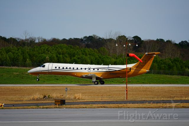 Embraer ERJ-135 (N356BZ) - There is an elevated observation platform at PDK airport, next to the control tower.