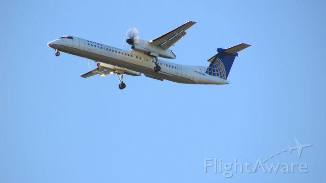 de Havilland Dash 8-300 (N187WQ) - Five Mile Final, Eagle, Colorado