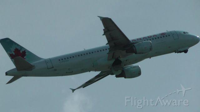Airbus A321 (C-FDQV)