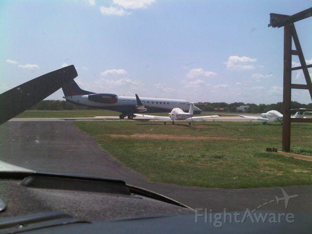 Embraer ERJ-135 (N451DJ)
