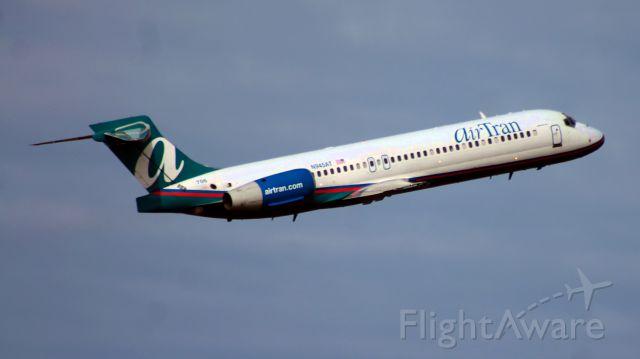 Boeing 717-200 (N945AT) - AirTran flight 185 departs Runway 6 on its inaugural flight from Bradley (KBDL) to Atlanta (KATL).
