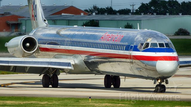 McDonnell Douglas MD-83 (N984TW) - Exiting 4 after arrival.