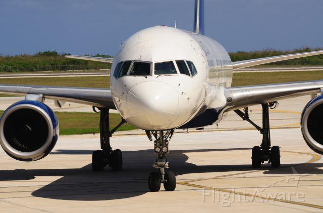 Boeing 757-200 (N539US) - 2011/6/7