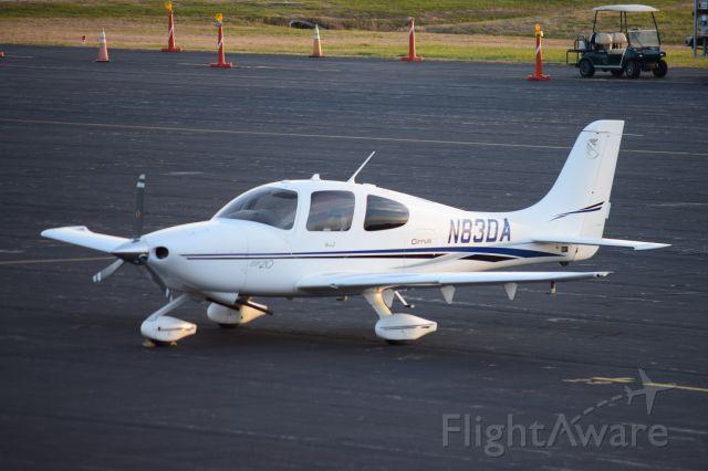 Cirrus SR-20 (N83DA)
