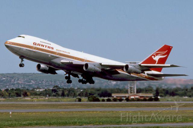 Boeing 747-200 (VH-EBE) - Adelaide, South Australia, September 30, 1984.