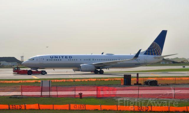 Boeing 737-900 (N63899) - United Airlines Boeing 737-924(ER)(WL) N63899 in Chicago