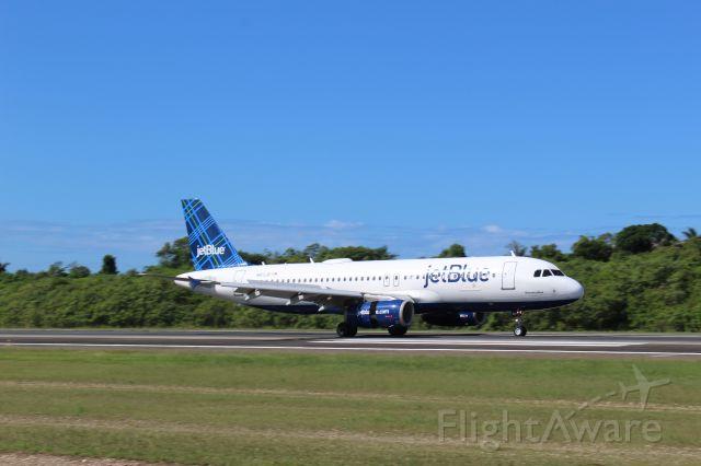 Airbus A320 (N613JB)