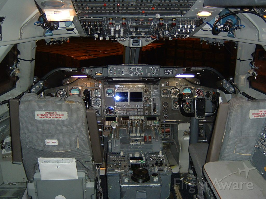 Boeing 747-200 (N629US) - April 17, 2004