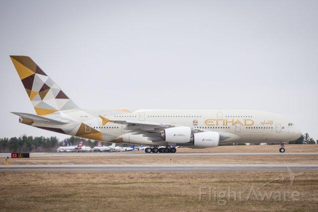 Airbus A380-800 (A6-APB) - Etihad 103 A380-800 operates Abu-Dhabi to New York