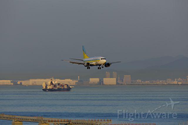 Boeing 737-500 (JA8504) - AIR DO (Hokkaido International Airlines) IATA : HD  ICAO : ADO