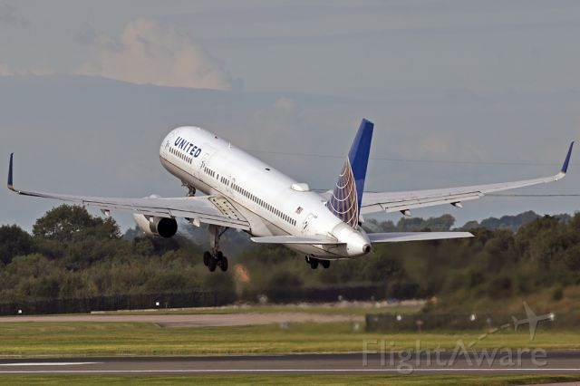 Boeing 757-200 (N17139) - UAL80 airborne on the flight to Newark.