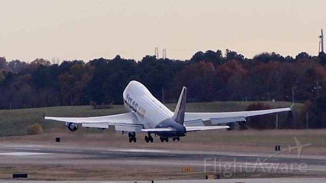 Boeing 747-400 (N446MC)