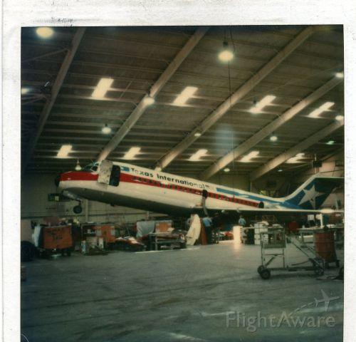 Douglas DC-9-10 — - DC-9