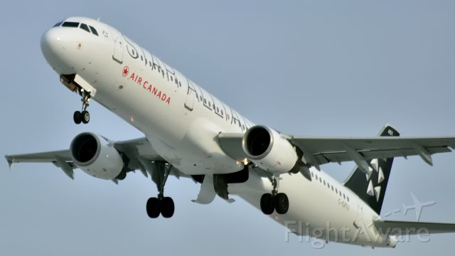 Airbus A321 (C-GITU) - Repainted to Star Alliance color 2014/11/19.