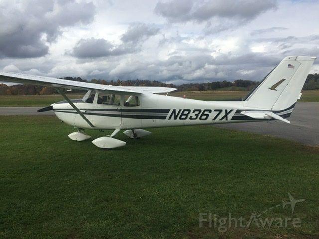 Cessna Skyhawk (N8367X) - Kvji