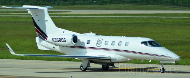 Embraer Phenom 300 (N358QS)