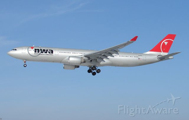 Airbus A330-300 (N814NW) - The beautiful Airbus 330 dressed un in NWA red and silver!