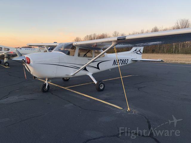Cessna Skyhawk (N97883)