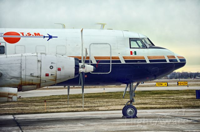 CONVAIR CV-580 (XA-URL)