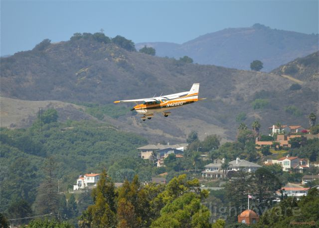 Cessna Skyhawk (N4282Q) - I took this photo in Santa Paula, California. I was about a block and a half away from the airport using a 300mm lens.