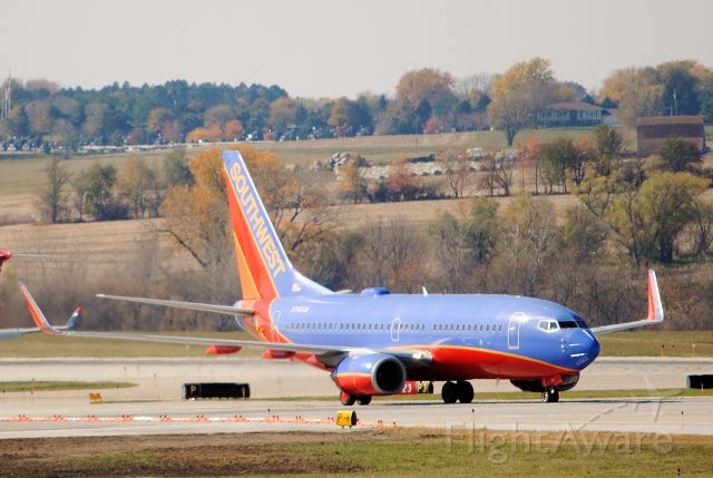 Boeing 737-700 (N749SW) - Taxiing to the gate after landing from Midway. Taken on October 15, 2012.