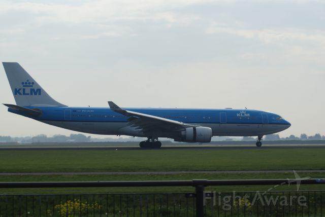 Airbus A330-200 (PH-AOM) - KLM A330-203 cn1161