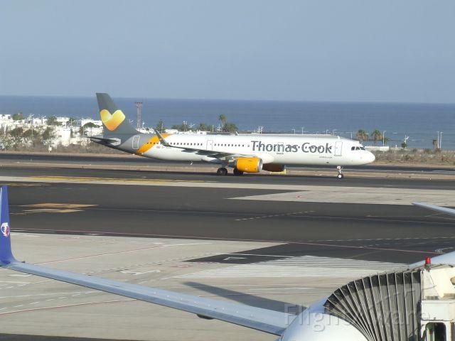 Airbus A321 (G-TCDD)
