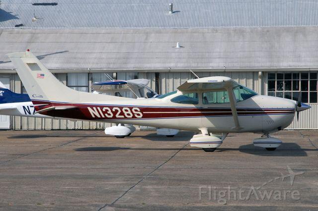 Cessna Skylane (N1328S)