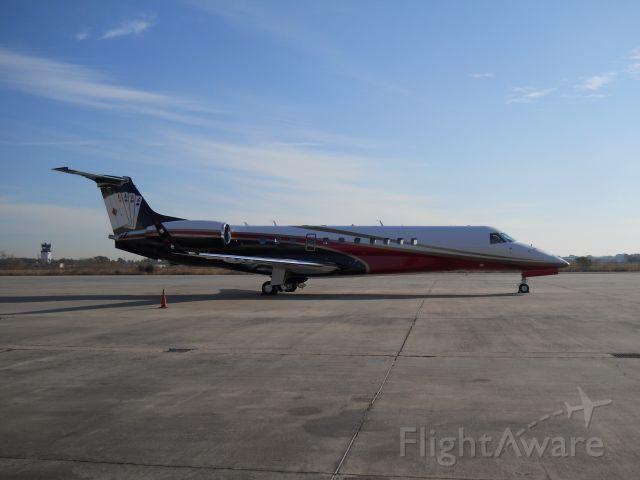 Embraer ERJ-135 (N900EM) - Legacy with a nice paint scheme