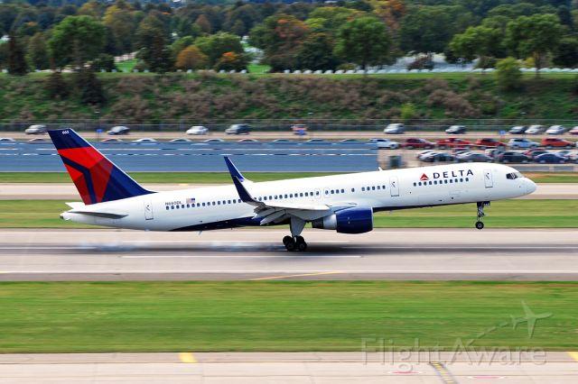 Boeing 757-200 (N660DL) - Boeing 757-232 (c/n 24422). September 18, 2010.