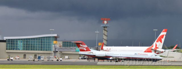 Fokker 100 (HP1895PST)