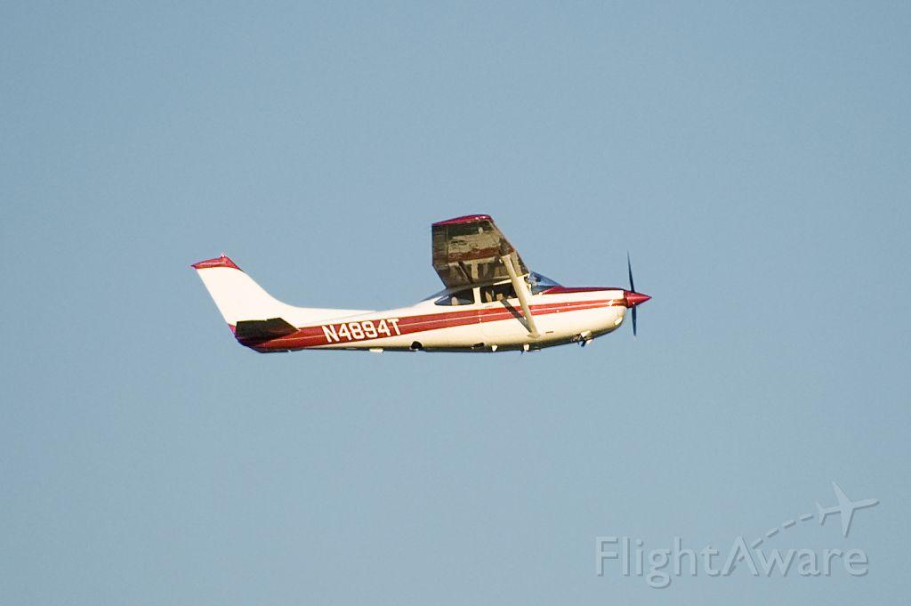 Cessna Skylane (N4894T) - Seen at KFDK on 7/15/2011.