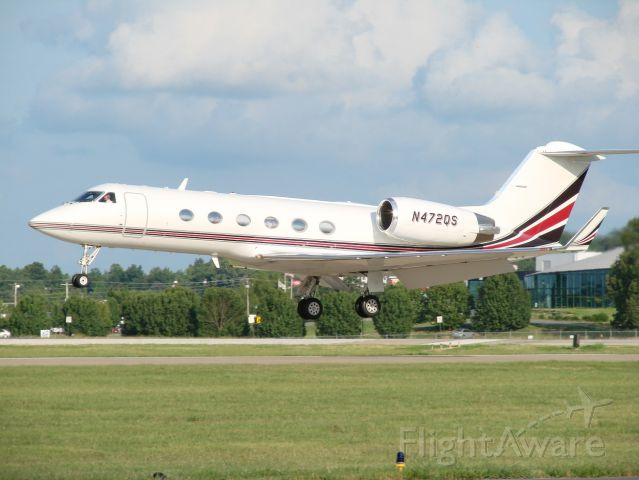 Gulfstream Aerospace Gulfstream IV (N472QS) - Arriving from KDTS