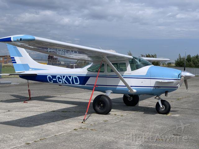 Cessna Skylane (C-GKYD)