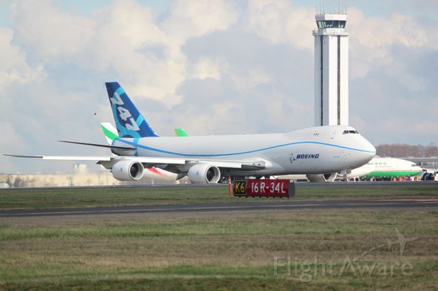 N747EX — - 747-8 Taxing for First Flight Paine Field Everett WA