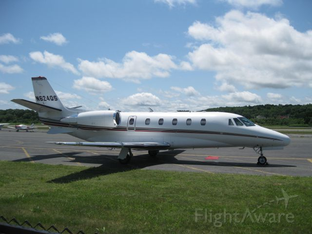 Cessna Citation Excel/XLS (N624QS) - Parked on the ramp after arriving from White Plains, NY (KHPN).