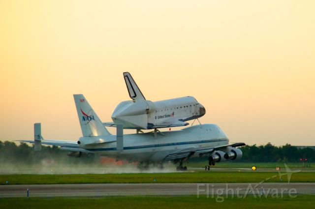 N905NA — - Space Shuttle Endeavour departs Houston Ellington Field at sunrise on September 20, 2012
