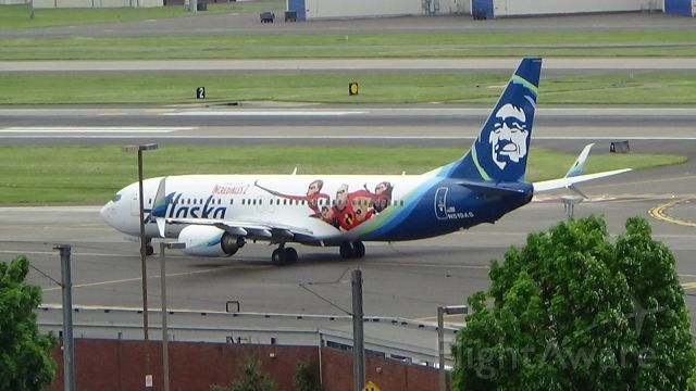 """Boeing 737-800 (N519AS) - The """"Incredibles 2"""" Alaska B737-800 at Portland (PDX)!! Had no idea this paint scheme existed!! Today is its first day flying in this paint scheme!! Date - May 6, 2018"""